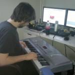 1:19 PM - 22 Feb 13: Bilder direkt aus dem maweki.de-Studio. Gerade das Intro für mawekis Bartcast eingespielt.